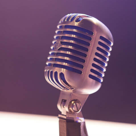 microphone-voice-banking-asst478